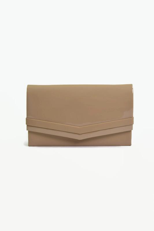 Beżowa lakierowana torebka