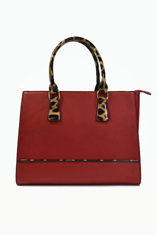 Czerwona torebka kuferek panterka